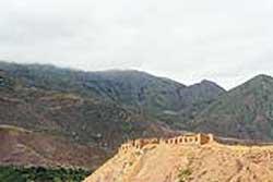 نگاهی به 10 قلعه معروف ایران تصاویر