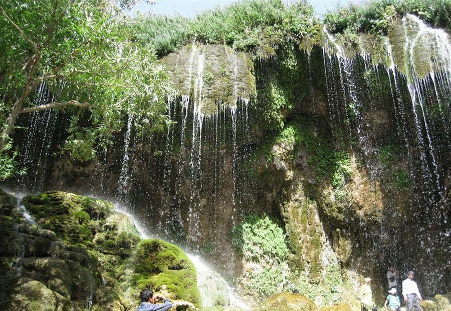 آسیاب خرابه آبشاری که هر بیننده ای را شگفت زده میکند
