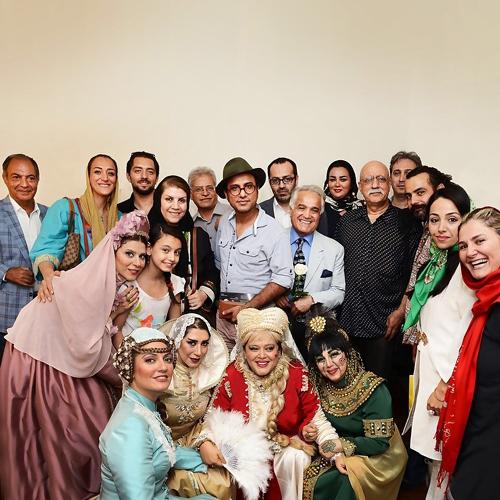 بهرام رادان و مهناز افشار در پشت صحنه یک نمایش