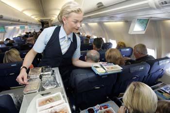 برای اینکه بدانید چرا غذا در هواپیما طعم خاص دارد این مطلب را بخوانید