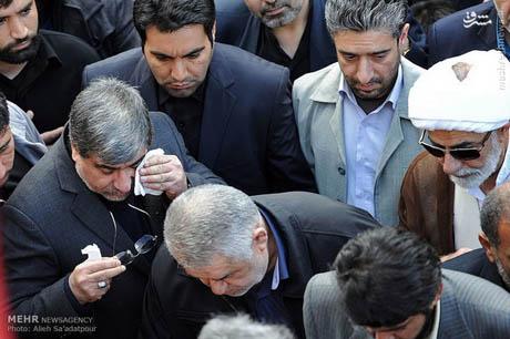 گریه علی جنتی وزیر ارشاد درلحظه وداع با مادرش