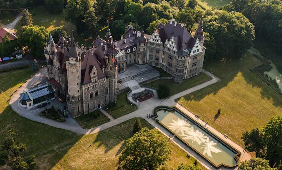 زیباترین قلعه های لهستان که بینندگان را شگفت انگیز میکند