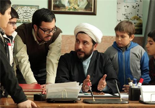 گریم جالب امیرحسین صدیق در نقش یک روحانی