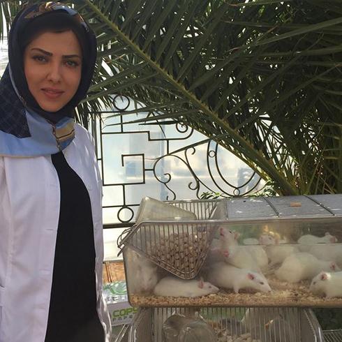 عکس بامزه لیلا اوتادی با موش های آزمایشگاهی!