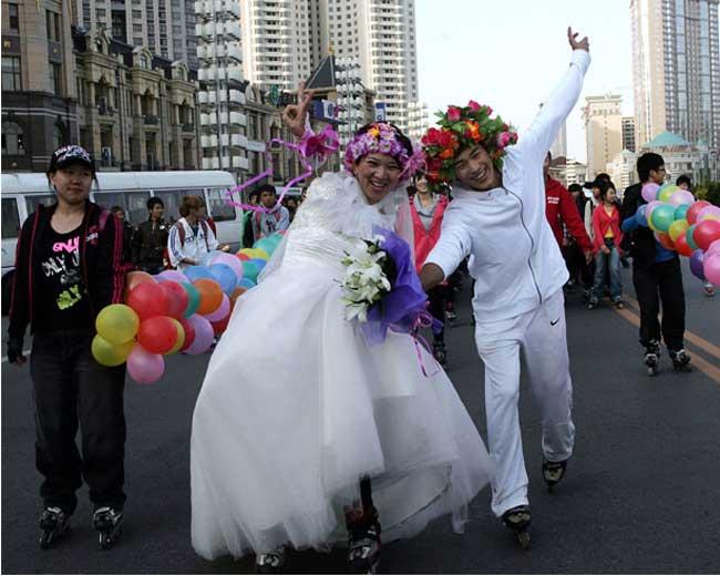 عکس:ازدواج به روش اسکیت بازان