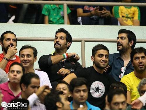 بازیگران در تماشای بازی والیبال ایران و لهستان