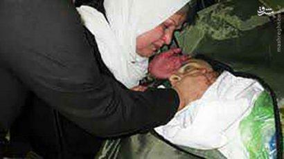 آخرین دیدار مادر با مرتضی پاشایی تکذیبیه:::این تصویر به اشتباه منتشر شده