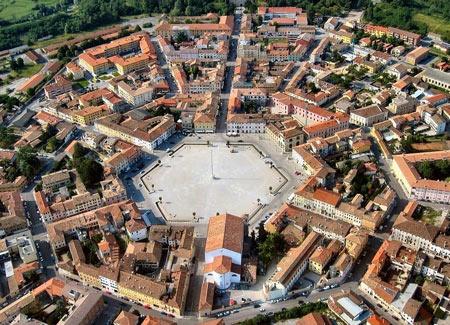 شهر قرون وسطایی پالمانوا  تصاویر