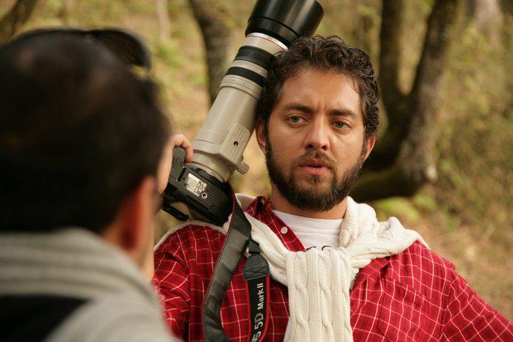عکس : بهرام رادان در حال عکاسی در طبیعت