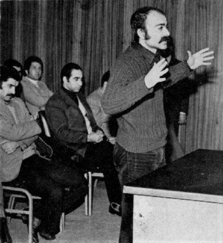 خسرو گلسرخی ، شاعر کشورمان چگونه زندگی کرد؟ | روشن فکری که جنبشهای چریکی حمایت میکرد