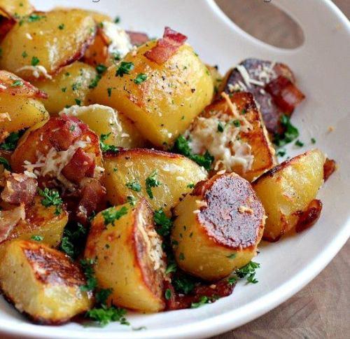 طرز تهیه خوراک سوسیس وسیب زمینی