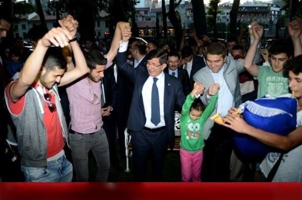 رقص و حرکات موزون آقای نخست وزیر بعد از افطار