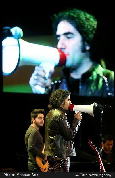 تبلیغ پیکان در کنسرت رضا یزدانی