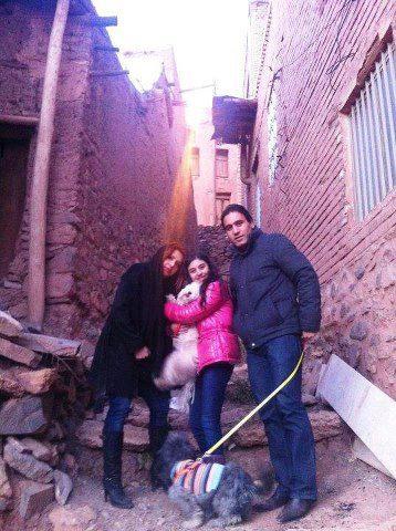مهدوی کیا و همسر و دخترش