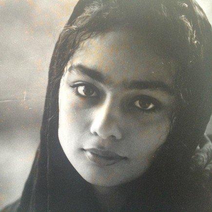 دو عکس کمتر دیده شده از یکتا ناصر در کودکی و نوجوانی