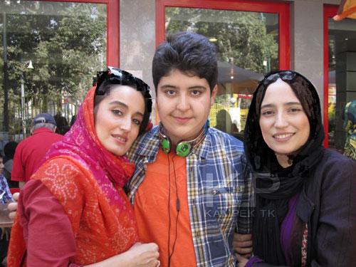 نگار جواهریان به همراه خواهر و برادرش