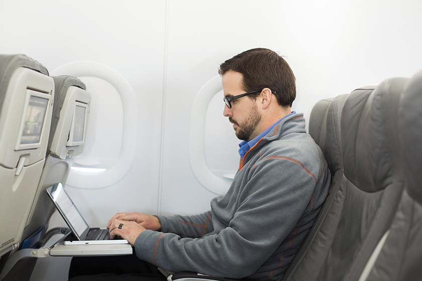 سفرهای هوایی ,لباس هایی که باید در این سفرها بپوشید