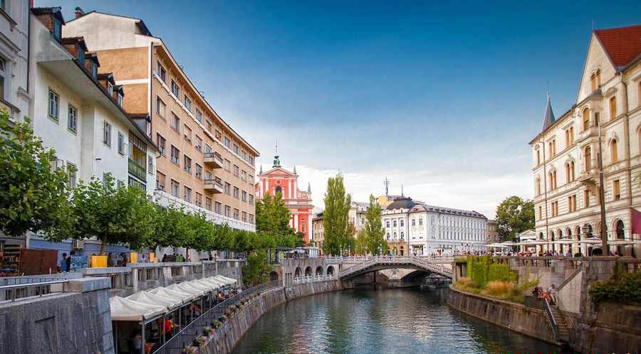 گشت و گذاری به یادماندنی در پایتخت سبز و زیبای اروپا