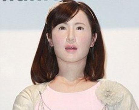 باور میکنید این زن یک ربات است؟