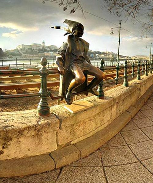 عکس : مجسمههای جالب و عجیب در شهرهای دنیا