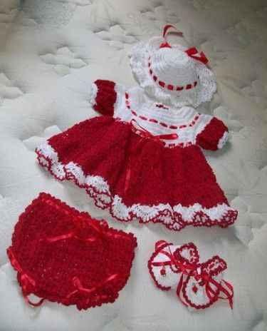 ست های بافتنی زیبای دخترانه با کلاه و پاپوش!! عکس