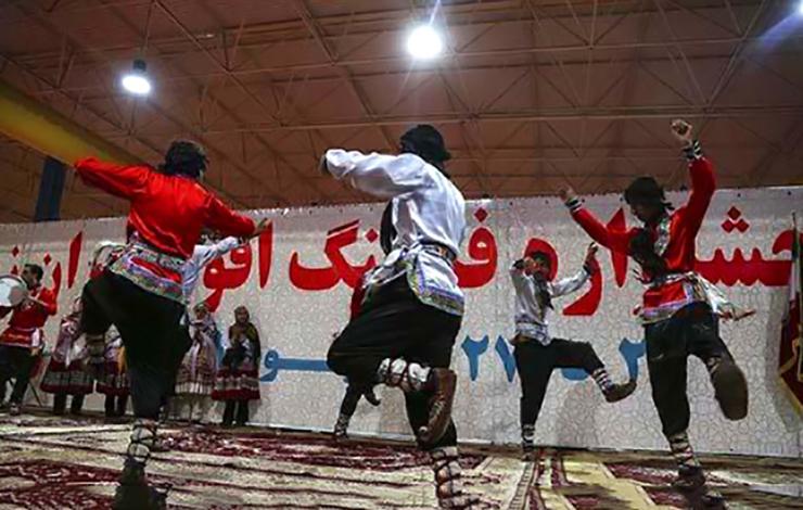 دردسر رقص بابا کرم برای 7 دانشجو ی دانشگاه زاهدان