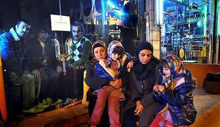 دوقلوهای پایتخت 3 با پدر و مادر واقعیشان