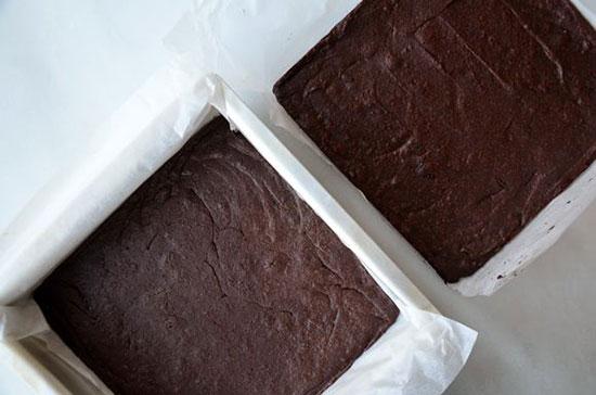 براونی ساندویچی یک دسر فوق العاده برای عاشقان کاکائو  مراحل پخت