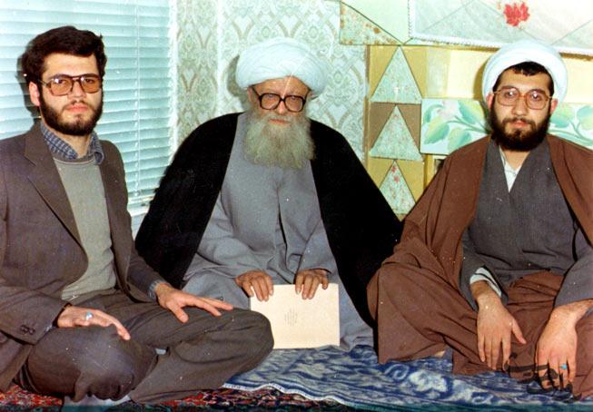 عکس/ برادران لاریجانی در کنار پدر