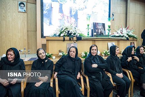 حضور هنرمندان و بازیگران زن مشهور در مراسم ختم داود رشیدی