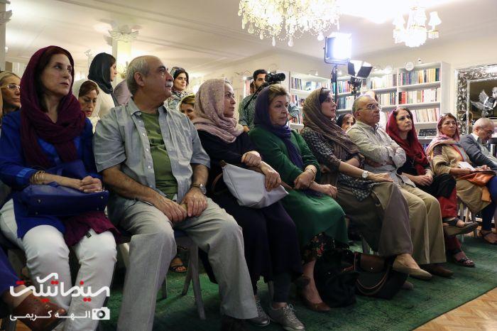 مهتاب کرامتی و فاطمه معتمدآریا در مراسم رونمایی کتاب قصه های دهه شصت