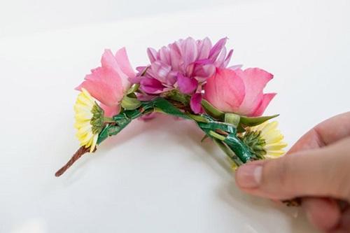 گل سر رنگارنگ
