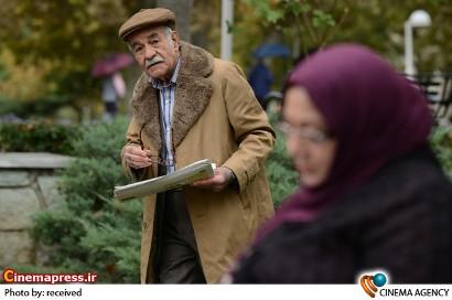 عکس های جدید سیما تیرانداز، گلاره عباسی و ترلان پروانه در «روزهای آخر اسفند»