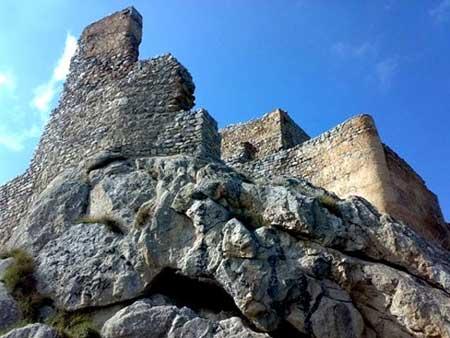 قلعه بابک کجاست؟ تصاویر