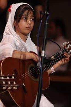 لیلی افشار، بانوی بیهمتای گیتارنواز