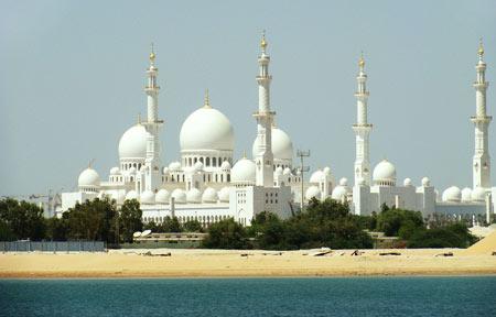 سومین مسجد بزرگ جهان در امارات