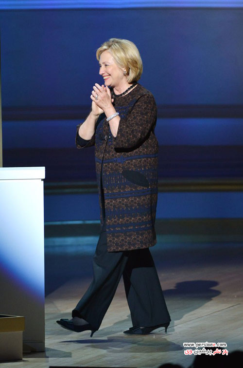 نگاهی بر تیپ های مختلف هیلاری کلینتون با کت شلوارهای رنگارنگ