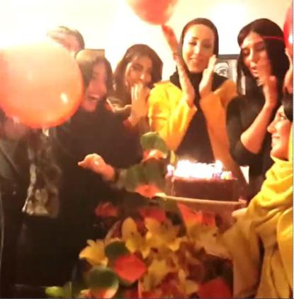 جشن تولد لیلا بلوکات در کنار دوستانش