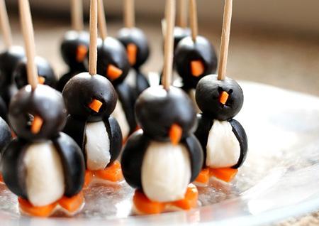 مراحل تزیین پیش غذا به شکل پنگوئن