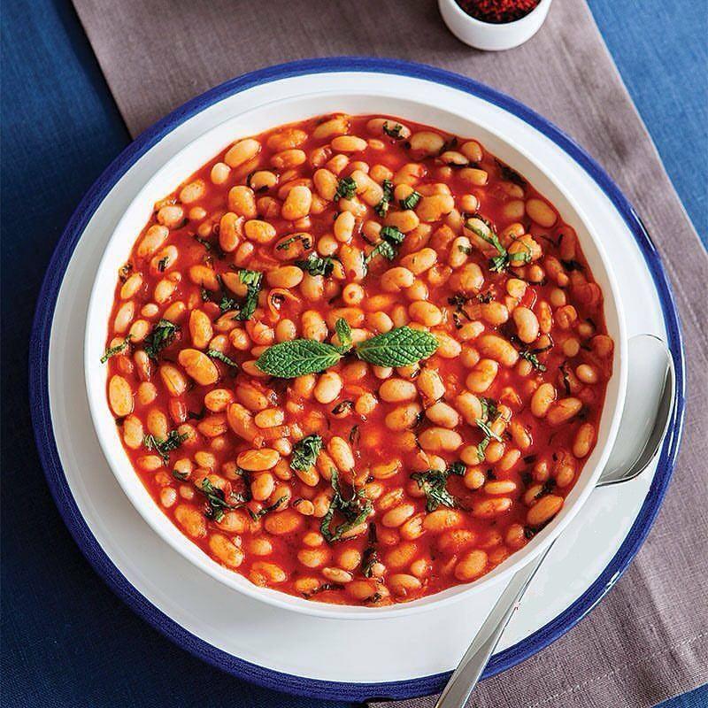 خوراک لوبیای سفید نعنایی یک غذای خوشمزه و گرم برای زمستان