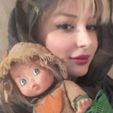 عروسک موردعلاقه نیوشا ضیغمی