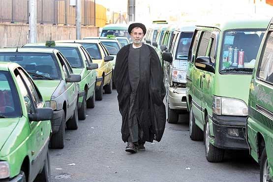 سیدمحمد قاضوی روحانی و امام جماعت از زندگی جالبش میگوید ، او تاکسیران است