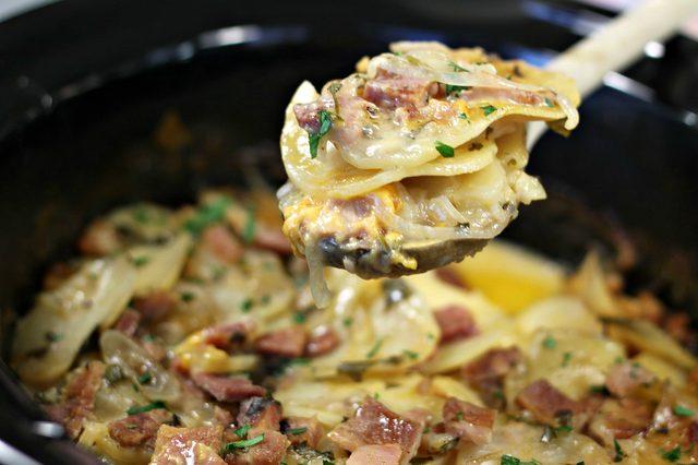 کاسرول گوشت و سیب زمینی پنیری خوشمزه